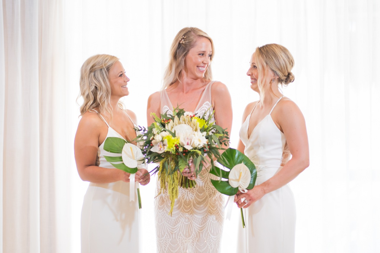 Bridesmaid Bouquet With Monstera Leaves And White Anthurium2