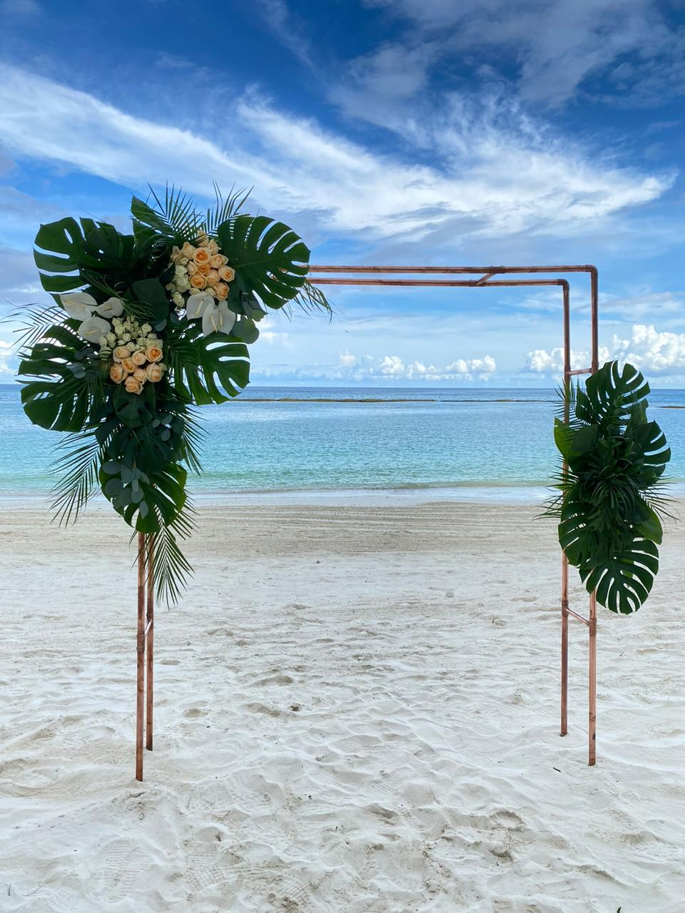 Tropical Elegance Ceremony