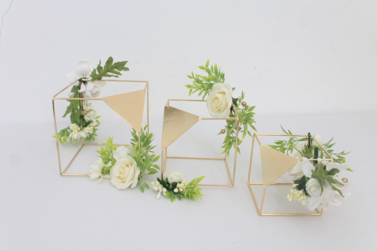 Cube Gold Shapes With Silk Florals