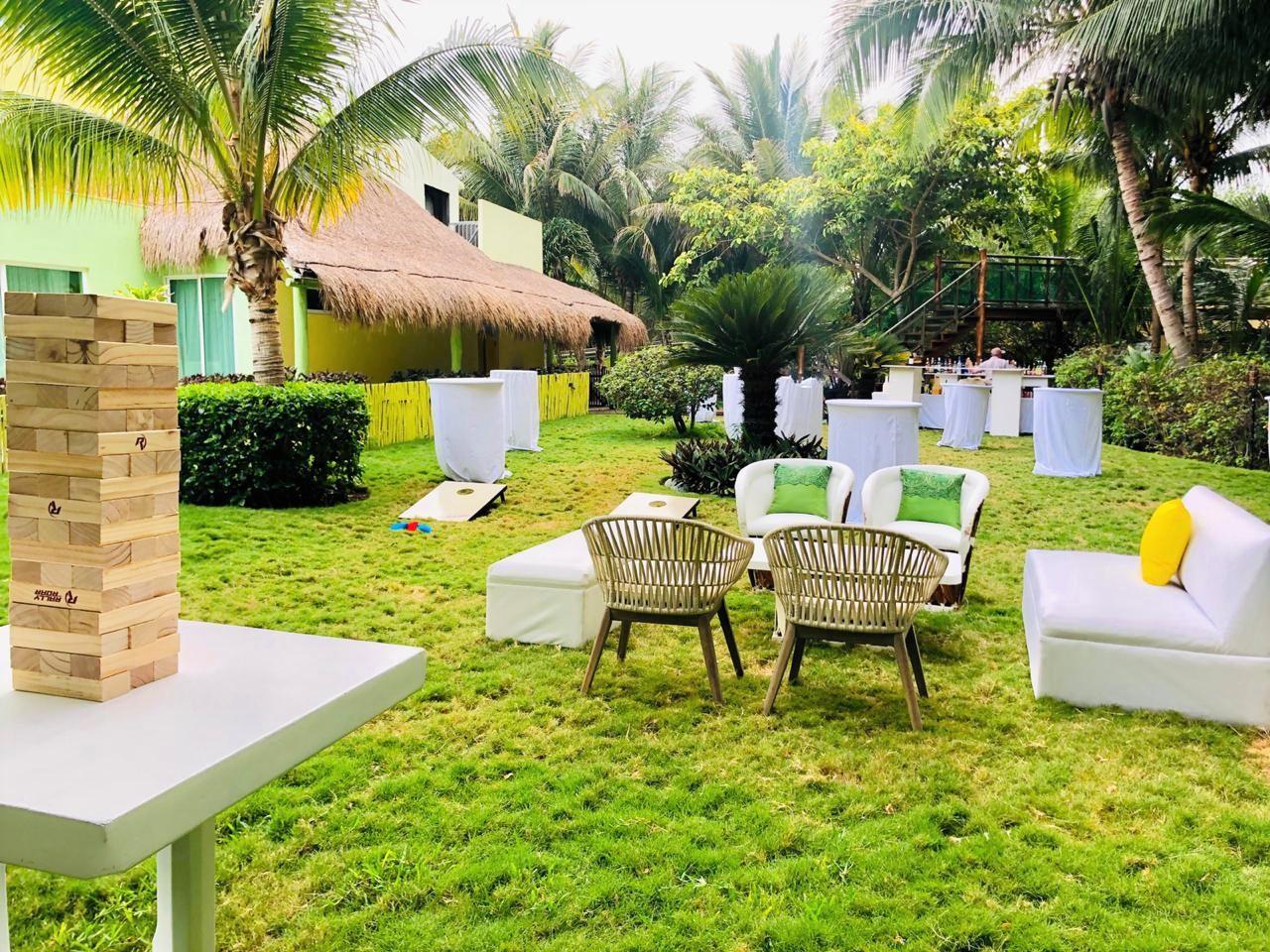 Garden Casa Dorada2 Cornholes Jenga2