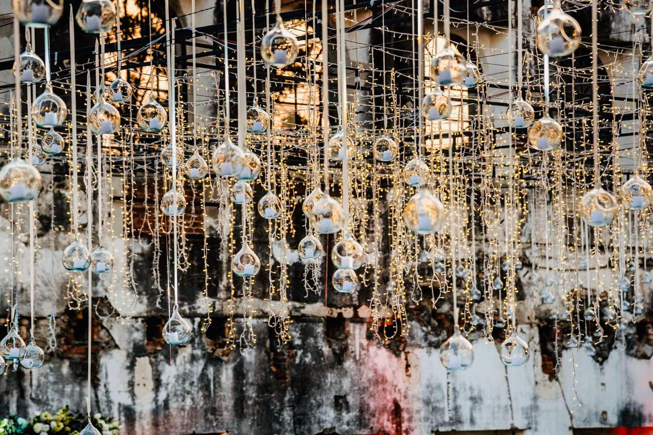 Hanging Spheres And Stringing Lights Cascade