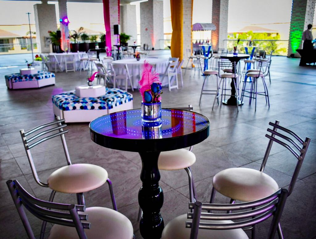 Infinity Led Black High Top Tables With 4 Aluminum Bar Stools