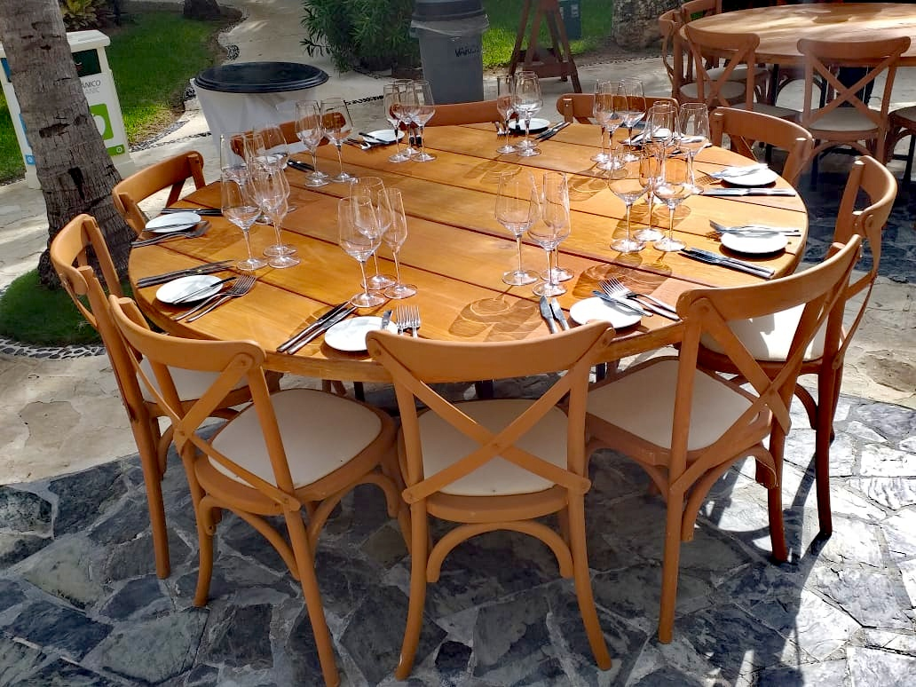 Rustic Round Tables2