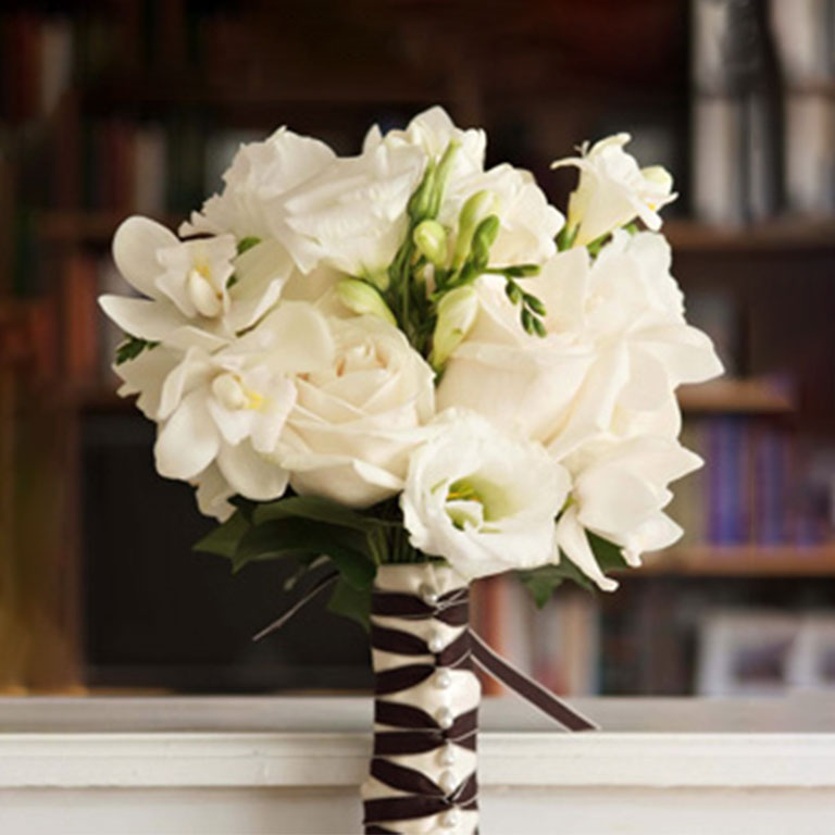 Sb Bouquet Freesias Roses