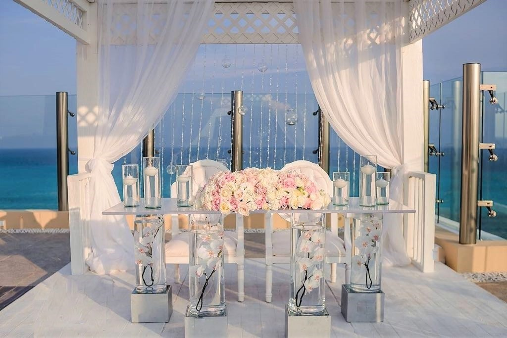 Sweetheart Table At Sky Deck With Sunken Orchids