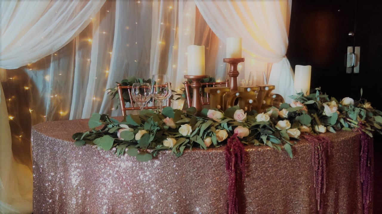 Sweetheart Table Garland
