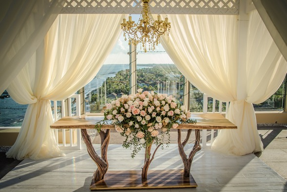 Weddings Planning Wood Sweetheart Table